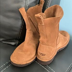 Suede UGG low boots